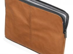 Decoded Leather MacBook Pro 16 Inch Sleeve Bruin