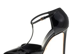 Gucci Black Patent Leather Pointed Toe T-Strap Pumps Size 39