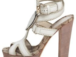Gucci Cream Leather Crest Heart Ankle Strap Sandals Size 35.5
